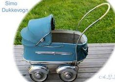 Bilderesultat for dukkevogner Vintage Pram, Vintage Dolls, Prams And Pushchairs, Dolls Prams, Baby Buggy, Baby Prams, Baby Carriage, Doll Patterns, Kids And Parenting