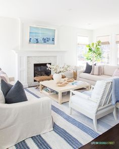 Home Decor Crafts Our blue and white themed spring living area with greenery, blue throw pillows, striped rug, fiddle leaf fig tree, and our Samsung Frame TV. Decor, Home Remodeling, Striped Rug, Cheap Home Decor, Home Decor, Framed Tv, Spring Home, Spring Living, Blue Throw Pillows