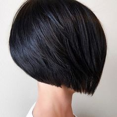 My favorite thing to do ever. A bob. #behindthechair #btconeshot_boblob18 #behindthechair #weha #westhartfordstylist #bobhaircut #haircutter #modernsalon #americansalon #hairbrained #beautylaunchpad