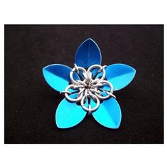 Blue Scale Flower Dangly Chainmail Hair Clip, Scalemail Flower Hair... ❤ liked on Polyvore featuring accessories, hair accessories, silver flower hair accessories, blue hair accessories, flower hair accessories, blue flower hair clip and barrette hair clip