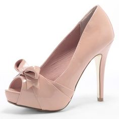 #Bows are on the brain.. #DorothyPerkins #TuesdayShoesday #Heels #Gorgeous #Pink #Classy @dorothyperkins - C x