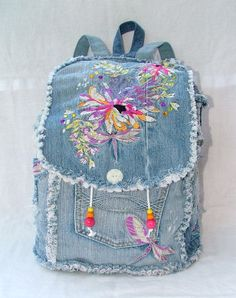 DENIM BACKPACK от poppypatchwork на Etsy Denim Backpack, Denim Bag, Denim Handbags, Fabric Wallet, Denim Ideas, Denim Crafts, Patchwork Bags, Kids Bags, Handmade Bags