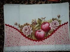 Pano de copa com maçãs e rosas