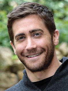 Actor Jake Gyllenhaal Is Asked Why He Isn't Married. His Reply is a Huge F-U to Hollywood 'Values' Jake Gyllenhaal, Playwright, Celebs, Celebrities, Celebrity Crush, Beautiful Men, Hot Guys, Broadway, How To Look Better