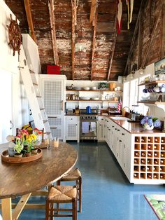 Thank you to for featuring a charming Nantucket boathouse designed by Gary McBournie as a Friday Favorite! Nantucket Style, Nantucket Beach, Coastal Style, Lakefront Property, Kitchen Chandelier, Beach Cottage Decor, Beach Cottages, Rustic Design, Sweet Home