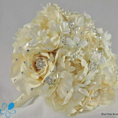 Ivory Rose Bouquet - Blue Petyl Bouquets