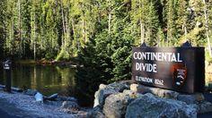 El lago Isa, en el Paque Nacional de Yellowstone en Wyoming, está considerado el único lago natural del mundo que vierte aguas a dos océanos diferentes.  Esta peculiar característica geográfica viene determinada por su situación a caballo de la divisoria continental de América en el Paso de Craig,