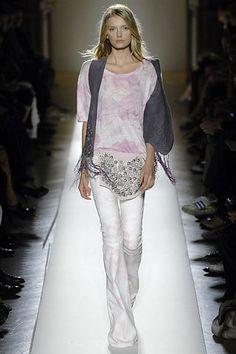 Balmain Spring 2008 Ready-to-Wear Fashion Show - Lily Donaldson