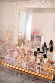 Pink Walk in Closet & Beauty Room Reveal Perfume Storage, Perfume Organization, Perfume Display, Perfume Tray, Perfume Scents, Fragrances, Bandeja Perfume, Room Ideas Bedroom, Bedroom Decor