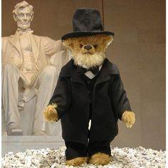 Abraham Lincoln Teddybär - Teddy-Fabrik - Der offizielle HERMANN-Coburg Teddy-eShop
