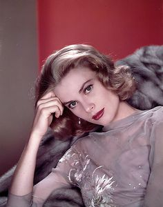 Grace Kelly...Grace Kelly........in my dreams I could be as perfect as her!