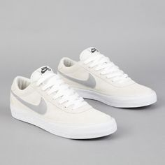 Nike SB Bruin Swan - Matte Silver - White Sneakers greatly benefit from shoe trees related to care, preservation, display and travel. Sole Trees makes premium shoe trees for sneakers Sneaker Outfits, Me Too Shoes, Men's Shoes, Nike Sb Shoes, Nike Casual Shoes, Shoes Style, Golf Shoes, Sports Shoes, Casual Sneakers