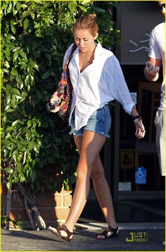 I adore Miley's style because it's so casual and free just like mine