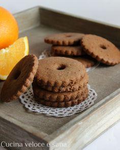 Biscotti integrali al cioccolato e arancia