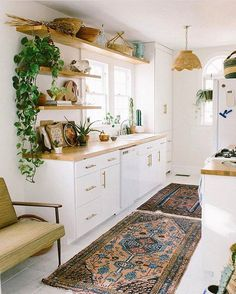 Wish I was walking into @carlaypage's kitchen right now after my run to make coffee this morning. Such a SCROLLSTOPPER!