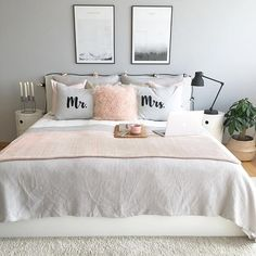 Cute and sweet setup. Love it! #slowmorning #weekendvibes #bedrooms #bedroominspo #bedroomideas #bedroominspiration #interior4you #interior4all #interiorwarrior #interiordesignideas #interior2you #interior_design #interior4you1 #interior_and_living #passion4interior #scandinavianinterior #scandinavianstyle #nordicdesign #nordicinterior #nordicminimalism #nordicstyle #nordiskahem #immyandindi #roomforinspo #interiorstyled #boligmagasinet #boligdrøm #boligindretning #soverom via @byidaryding