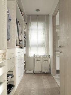 Narrow closet design-decor pad