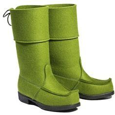 Arctips Classic, Metsänvihreä - Astubutiikkiin.fi Bearpaw Boots, Ugg Boots, Art Teacher Outfits, Pin Up Style, My Style, Felt Boots, Green Wool, Green Fashion, Winter Shoes