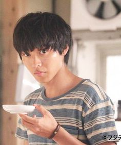 "Kento Yamazaki, J drama ""Sukina hito ga iru koto (A girl & Drama Stage, Crush Pics, Kento Yamazaki, Japan Art, Asian Actors, Death Note, To My Future Husband, Ariel, Character Inspiration"