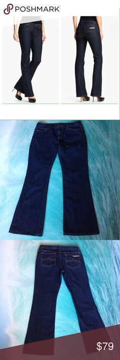 "Michael KorsBoot cut Jeans Michael KorsBoot cut JeansSize 8Inseam 29""Waist 32""Some wear on button hole as pictured above Michael Kors Jeans Boot Cut"