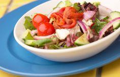 Salat - Ideen fürs Low carb Abendessen - Salat in allen Variationen ist das perfekte Low carb Abendessen - sofern wir uns die Scheibe Brot dazu verkneifen! Auch kohlenhydratreiche Gemüse wie Mais oder Erbsen sollten nicht unbedingt in den Salat...