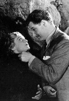 Madeleine Carroll & Robert Donat in The 39 Steps (dir. Alfred Hitchcock)