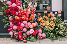 A Floral Spring Gathering in London Balloon Garland, Balloon Decorations, Balloons, Wedding Decorations, City Flowers, Faux Flowers, Floral Artwork, London Restaurants, Flower Wall