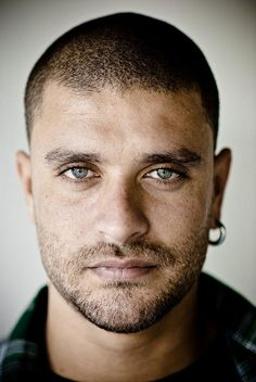Filed under (beautiful mixed raced men)    Brazilian Samba singer, Diogo Nogueira, son of a great Samba singer (Joao Nogueira) he wanted to be a soccer player but a physical injury led him to follow the footsteps of his old man and what a wise choice it was....