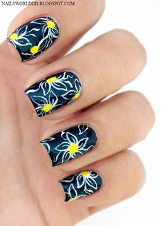 Image uploaded by Nazh_s. Find images and videos about fashion, nails and nail art on We Heart It - the app to get lost in what you love. Great Nails, Fabulous Nails, Cool Nail Art, Simple Nails, Daisy Nails, Flower Nails, Nail Flowers, Blue Flowers, Hot Nails