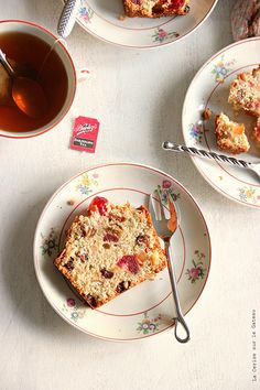 English fruits cake & Darjeeling tea