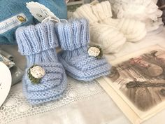 Diese Babyfinkli lassen sich nicht einfach so abstrampeln wie andere 🌸 #babyfinkli #babysocken #hellblau #liebezumdetail #mitliebegestrickt #kleinesgeschenk #geburtsgeschenk #fürneugeborenes #fornewborn #knittingforkids #kleinerfeinerfeed #stoffigesundmehr #stgallen #schweiz (Werbung)