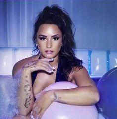 "#DemiLovato, #Photoshoot Demi Lovato in ""Sorry Not Sorry"" Photoshoot by Dennis Leupold | Celebrity Uncensored! Read more: http://celxxx.com/2017/07/demi-lovato-in-sorry-not-sorry-photoshoot-by-dennis-leupold/"