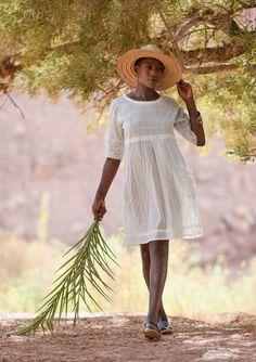 Broderet kjole i bomuld–Nederdele & kjoler–GUDRUN SJÖDÉN – Kläder Online & Postorder