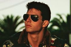 "Tom Cruise on the movie ""Top Gun"", one of the first people to wear Ray Ban Aviators and really look good. Tom Cruise, Cheap Ray Ban Sunglasses, Cheap Ray Bans, Mens Sunglasses, Sunglasses Outlet, Oakley Sunglasses, John John, 90s Grunge, Steve Mcqueen"