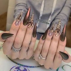 In search for some nail designs and ideas for your nails? Listed here is our set of must-try coffin acrylic nails for modern women. Pointy Acrylic Nails, Stiletto Nail Art, Best Acrylic Nails, Coffin Nails, Sexy Nails, Hot Nails, Fancy Nails, Sharp Nails, Nagellack Design