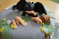 www.facebook.com/kc.creations.vt    How to train your dragon cake  Toothless!