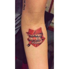 love this howler tattoo 🖤 Harry Tattoos, Fandom Tattoos, Literary Tattoos, Life Tattoos, Body Art Tattoos, Sleeve Tattoos, Disney Tattoos, Tatoos, Ankle Tattoo Small