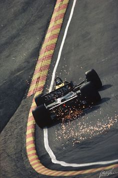 1985 F1 car unsure of the driver name.