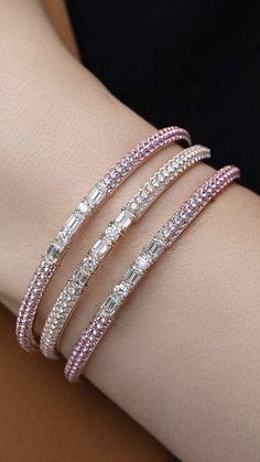 Diamond Necklace Set, Diamond Bracelets, Diamond Pendant, Bangle Bracelets, Gold Bangles Design, Jewelry Design, Jewelry Patterns, Cute Jewelry, Luxury Jewelry