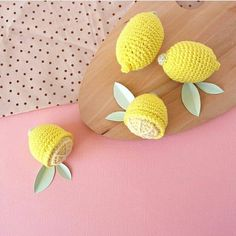 has created these crochet lemons using DMC Natura Cotton. The patterns are available in French in the book 'Adorable Dinette'. Crochet Fruit, Crochet Food, Lemon Crafts, Lemon Uses, Belle Photo, Craft Projects, Diy, Embroidery, Photo And Video