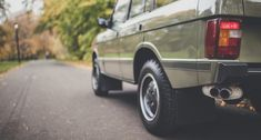 Trooping the colours of autumnal London in a regal Range Rover | Classic Driver Magazine