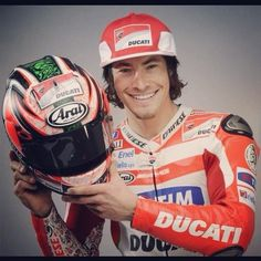 smile... smile... smile... Nicky Hayden's smile <3 :) and nice helmet tho!