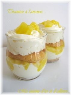 Tiramisu ananas, wow this looks yummy! Desserts With Biscuits, Cold Desserts, No Cook Desserts, Mini Desserts, Summer Desserts, Easy Desserts, Dessert Recipes, Creme Dessert, Dessert In A Jar