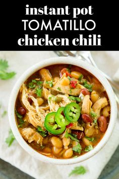 Instant Pot Tomatillo Chicken Chili is a healthy but filling recipe for chicken chili with beans, chicken breasts, and green chiles. via @greenschocolate Tomatillo Chicken, Chicken Chili, Best Chili Recipe, Chili Recipes, Chili Cook Off, Filling Recipe, Chicken Breasts, Soups And Stews, Crock Pot