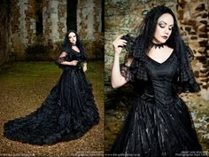 Model: Lady Amaranth Photographer: Mark Perry Photography dress: The Gothic Shop - www.the-gothic-shop.co.uk Welcome to Gothic and Amazing |www.gothicandamazing.org