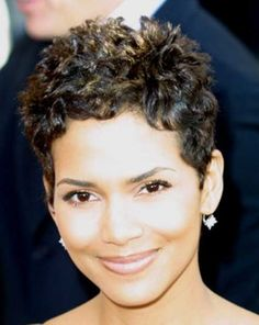 19 Halle Berry Pixie Cuts: #17. Halle Berry Cute Curly Short Pixie
