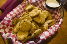 Twin Peaks Fried Pickles at The Fountains at Farah! Pickles Recipe, Fried Pickles, Diet Drinks, Twin Peaks, Food For Thought, Great Recipes, Fries, Food And Drink, Turkey