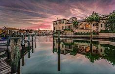 naples florida: Colorful sunrise over Venetian Bay at Naples, Florida