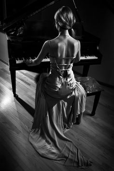 i love to play piano so much, its a beautiful instrument! http://pinterest.com/cameronpiano