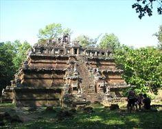 Phimeanakas - Angkor, Cambodia - Pyramids on Waymarking.com